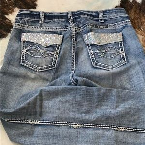 Cowgirl Tuff Sparkle Light jeans 34w by 33l